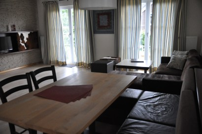 living room/ dining area
