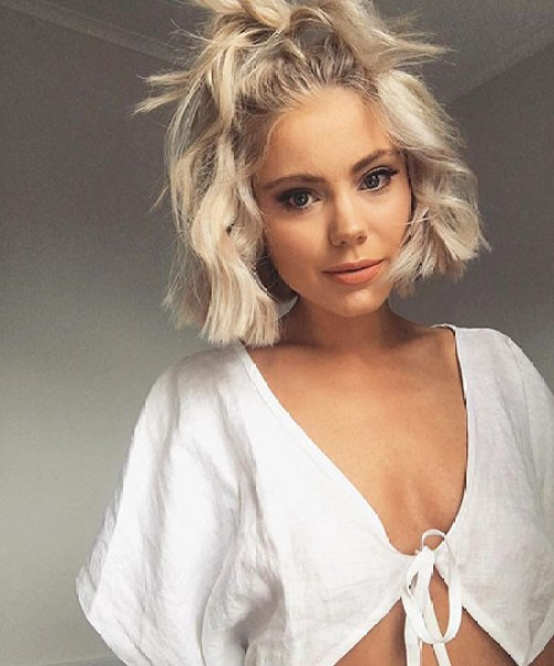 Wavy-Hair Cute New Short Haircut Ideas
