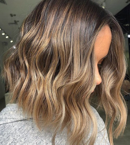 Short-Wavy-Bob-Hair Chic Wavy Short Hairstyles
