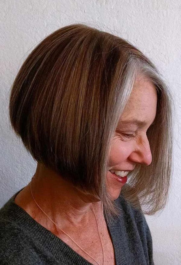 Straight-Bob Short Hairstyles for Women Over 50 To Look Stylish
