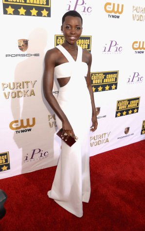 Lupita-Nyongo-stole-show-her-white-cutout-gown