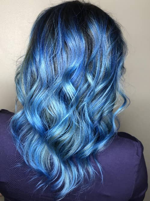 SAPPHIRE BLUE HIGHLIGHTS- CURLY HAIR COLOR IDEAS