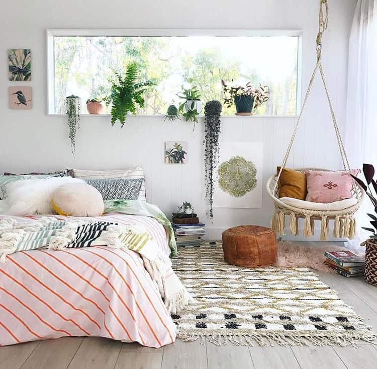 Small bedroom decorating ideas with faux fur, pillows ... on Small Room Decoration  id=97184