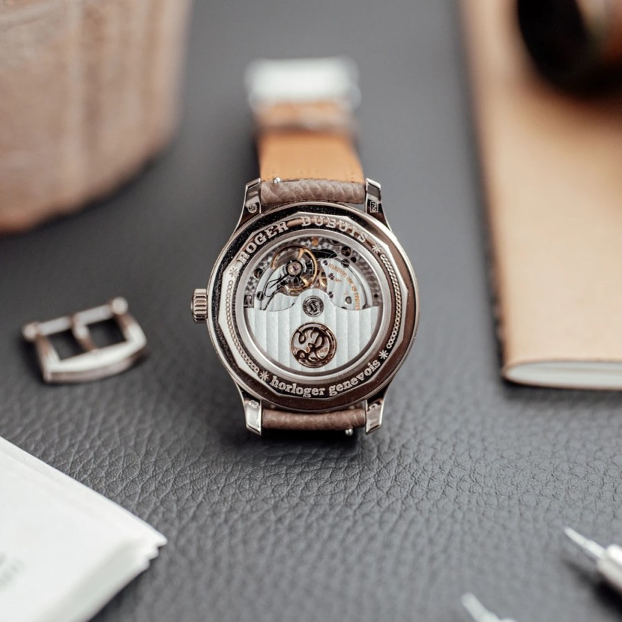 Roger-Dubuis-Hommage-H37-Guilloche