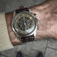 Gilt Breitling Clamshell Multiscale Chronograph