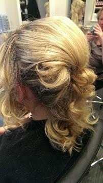 HairStation Friseur in Solingen; Hochsteckfrisur mit Locken; Brautfrisur in Solingen