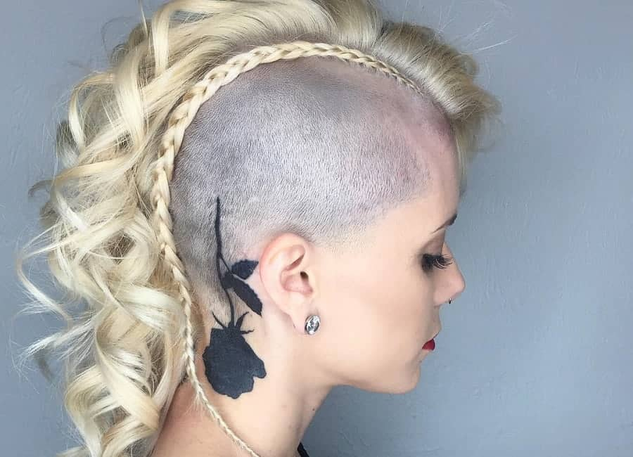 Lockiges Haar Blond College Hairstyles and
