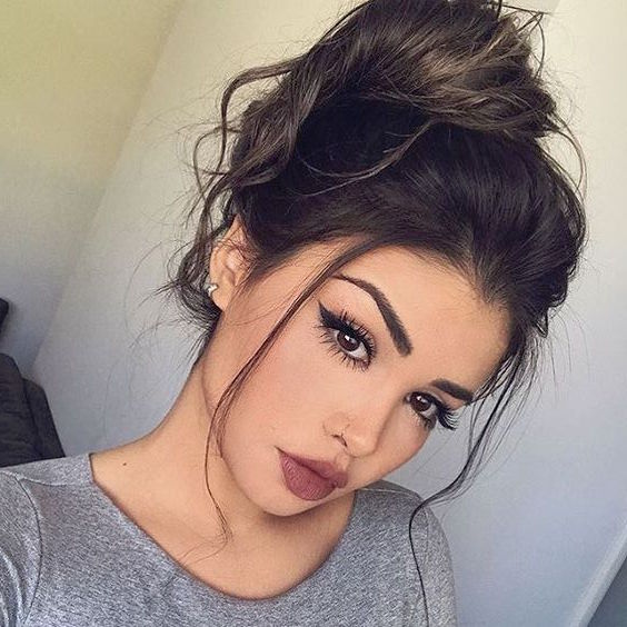35 Chic Amp Messy Updo Hairstyles For Luxuriously Long Hair