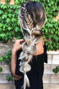 oversized and small braid floral