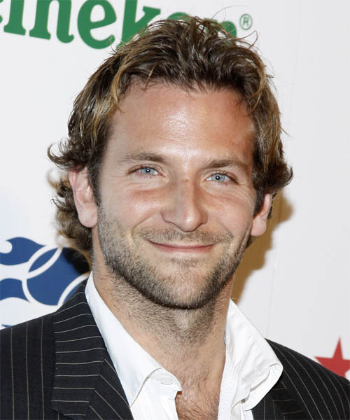 Bradley Cooper Short Wavy Casual Hairstyle