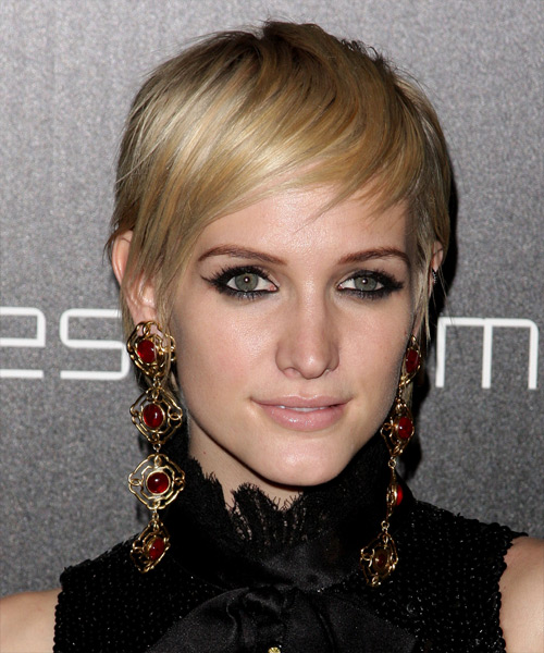 Ashlee Simpson Short Straight Casual Pixie Hairstyle With