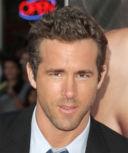 Ryan Reynolds Casual Short Straight Hairstyle Dark