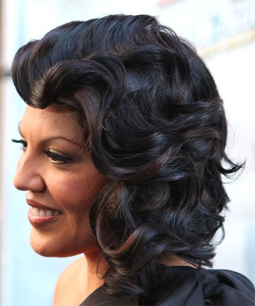 Sara Ramirez Formal Medium Wavy Hairstyle With Side Swept