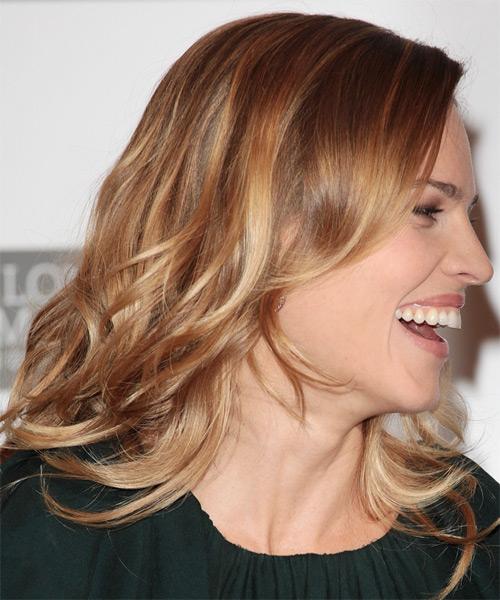 Hilary Swank Medium Wavy Casual Hairstyle Light Caramel