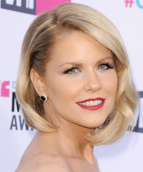 Carrie Keagan Short Straight Formal Layered Bob Hairstyle