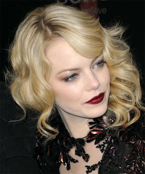 Emma Stone Medium Wavy Formal Hairstyle With Side Swept