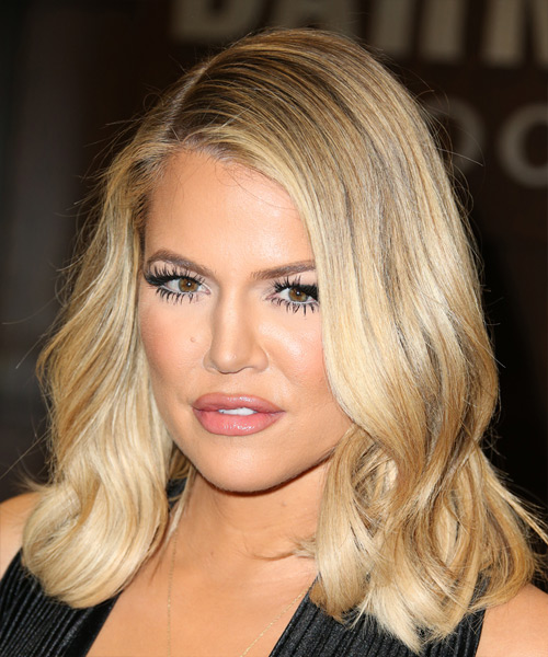 Khloe Kardashian Casual Medium Wavy Hairstyle Blonde