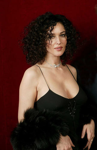 Monica Bellucci Short Curly Hairstyle