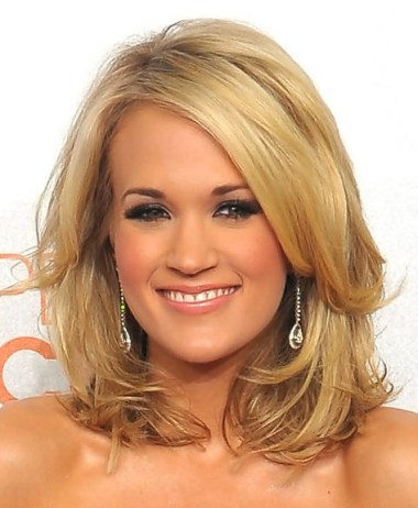 Carrie Underwood hairstyle with bangs