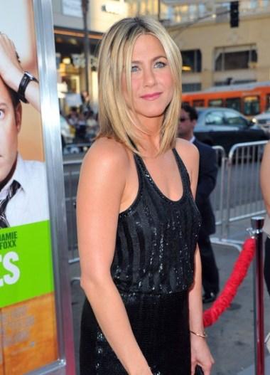 Jennifer Aniston layered haircut 2012