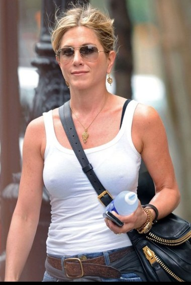 Jennifer Aniston updo