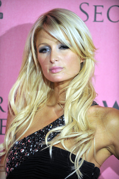 Nice Hair with Long Wavy Style from Paris Hilton in Victoria Secret's