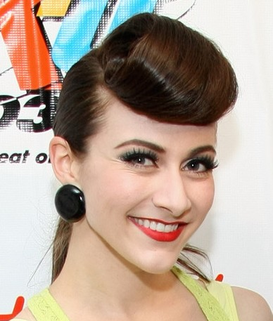 Amy Heidemann Retro Hairstyle