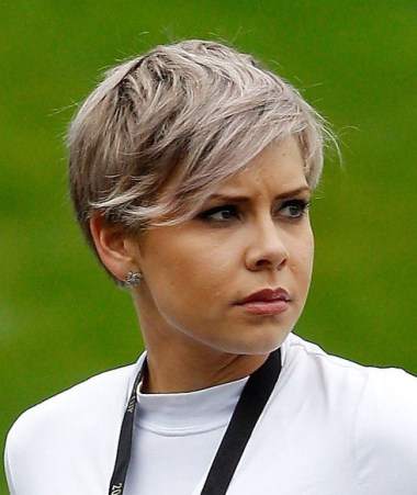 10 popular short haircuts for women  hairstyles weekly