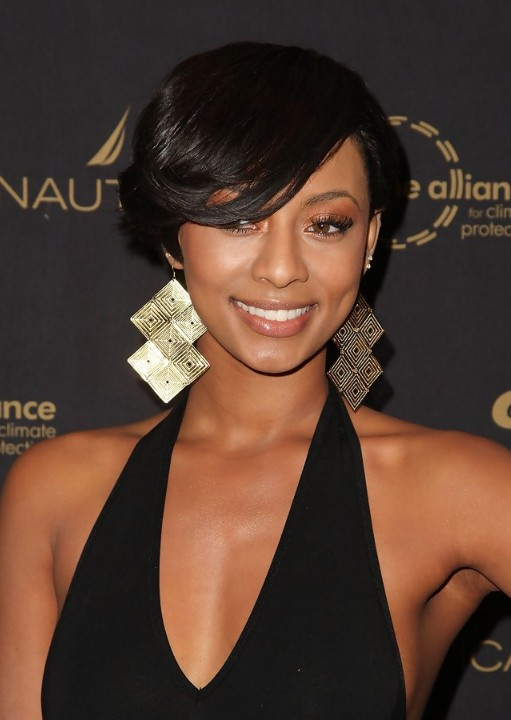 2013 Short Hairstyle with Side Swept Bangs