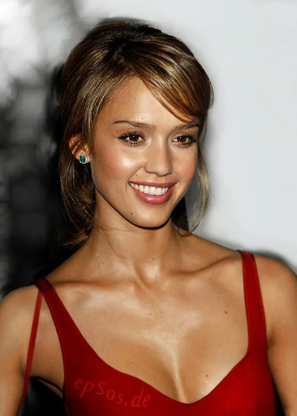 jessica-alba-with-short-haircut