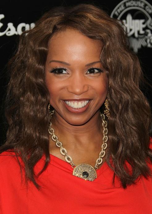 African American Medium Wavy Hairstyle for Black Women