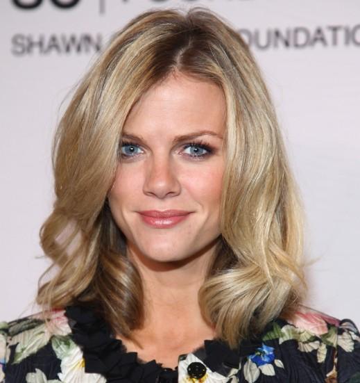 Celebrity Brooklyn Decker Medium Hairstyle