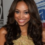 Cute Center Part Hairstyles for Black Women