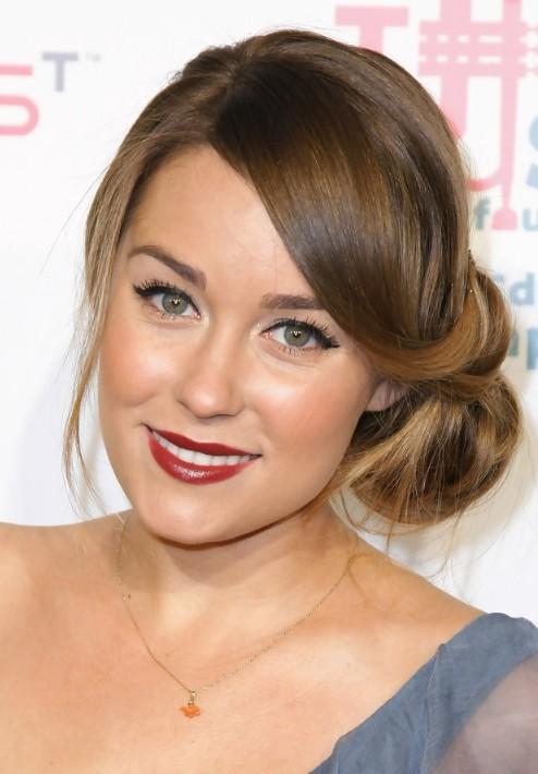 https://i1.wp.com/hairstylesweekly.com/images/2012/07/Lauren-Conrad-Elegant-Loose-Low-Bun-Updo.jpg