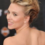 Prom Hairstyles 2013: Scarlett Johansson Bobby Pinned Updo Hairstyle