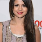 Selena Gomez Long Sleek Hairstyle With Layers
