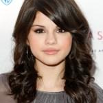 Selena Gomez shoulder length hairstyle for girls