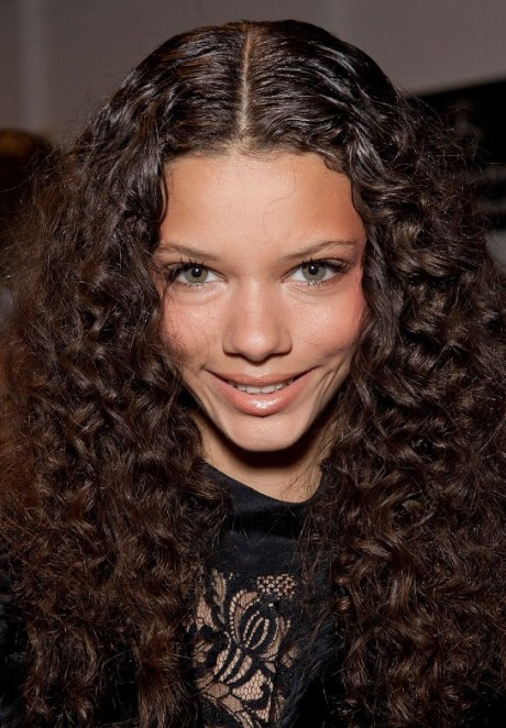 Sexy Long Curly Hairstyles: The Most Popular Curly Hair This Season