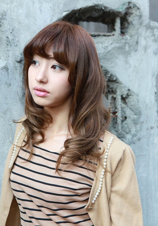 Asian Girls Shoulder Length Wavy Hairstyle With Full Bangs Hairstyles Weekly