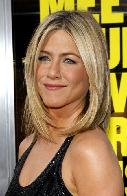 Jennifer Aniston Bob Haircut: Medium Straight Hairstyle for Women
