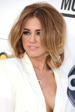 Miley Cyrus Layered Medium Length Hairstyles: So Sexy!