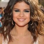 Selena Gomez Shoulder Length Hairstyles