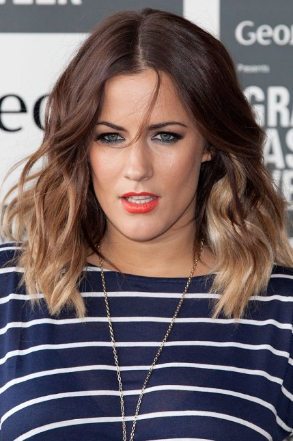 Shoulder Length Ombre Hair - Trendy Center Parting Ombre Hair