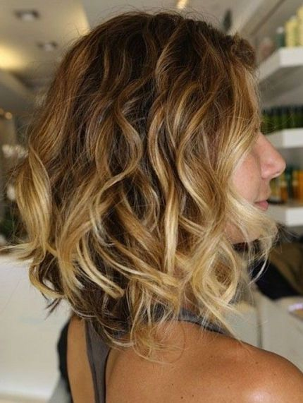 Side View of Sexy Ombre Bob Hairstyle with Waves