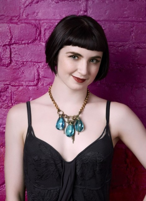Amelia Lowe Short Haircut With Blunt Bangs Pageboy Cut