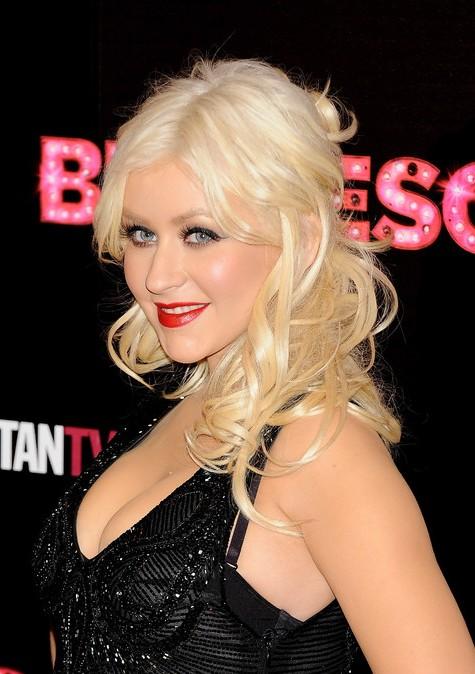 Christina Aguilera Half Up Half Down Hairstyle
