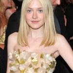 Dakota Fanning Medium Blonde Hairstyles