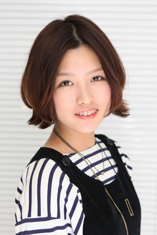 Cute Short Bob Hairstyle for Women