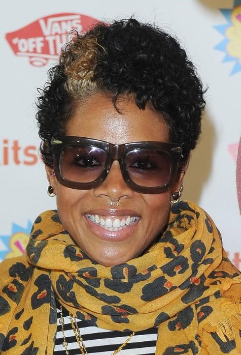 Kelis Short Curly Hairstyle for Black Women