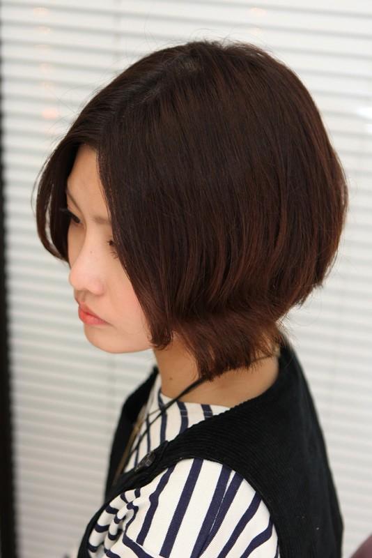Lovely Short Bob Hairstyle for Girls